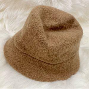 Croft & Barrow Women's Tan Bucket Hat GUC